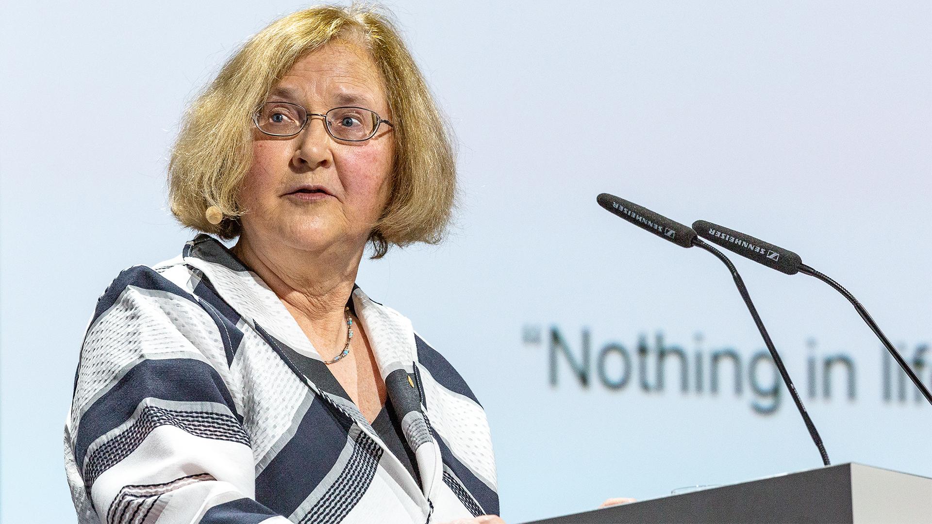 Elizabeth Blackburn during her 2017 lecture